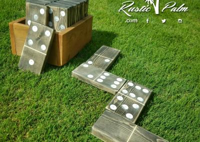 Yard Dominoes with Box
